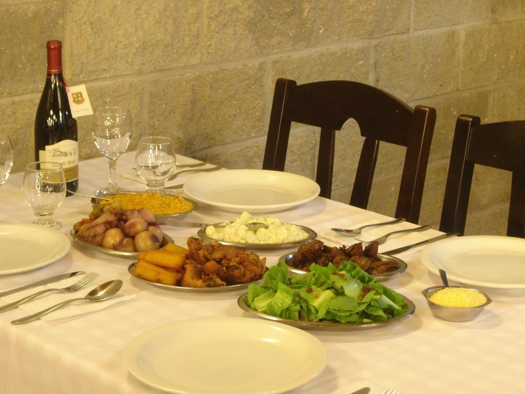 pratos na mesa 2