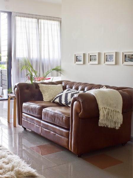 sofa-antigo-couro